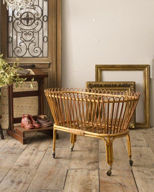 ラタン ベビーベッド   Rattan Baby Bed
