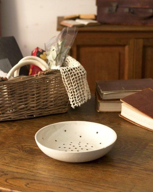 セラミック 水切りボウル  Ceramic Draining Bowl