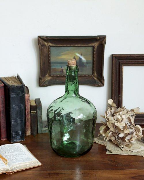 """VIRESA"" ガラスボトル.a  ""VIRESA"" Glass Bottle"