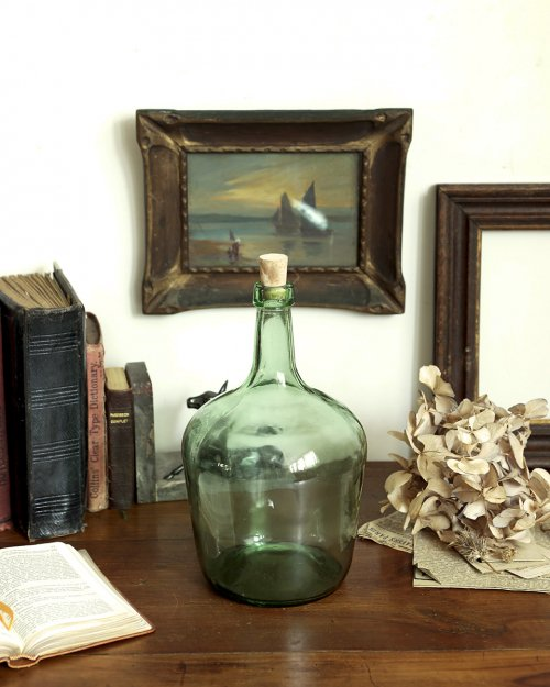 ガラスボトル.b  Glass Bottle