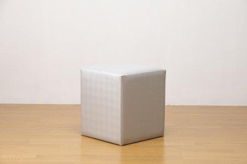 適度なサイズの四角スツール 光沢グレー