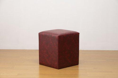 適度なサイズの四角スツール マーブルレッド