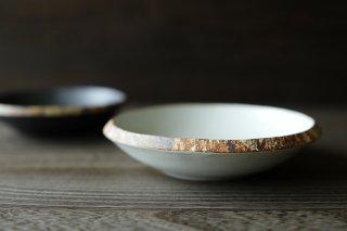 伊豆土 リム5寸厚浅鉢 (白)
