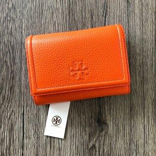 新品 Tory Burch THEA ミディアムフラップ 折り財布