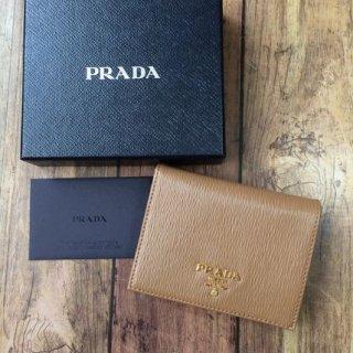 新品 PRADA プラダ  二つ折り財布 1MV204