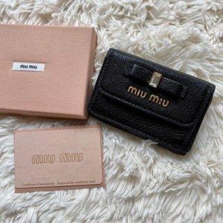 新品 ミュウミュウ miumiu リボン 三つ折り財布 マドラス ブラック