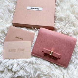 新品 ミュウミュウ miumiu リボン 二つ折り財布 マドラス ピンク