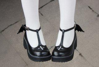 ロリータ デビルウィングシューズ ヒール5cm クロス ゴスロリ 黒ロリ ロリータファッション 羽根 靴