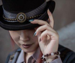 【納期2か月】ロリータ 帽子 steampunk スチームパンク ハット リボン 羽根 ギア パンク ヘッドドレス カジュアル きれいめ 上品 ブラック 大きいサイズ サイズ豊富 おしゃれ かっこいい