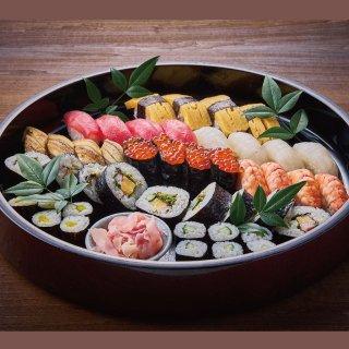 【クリスマスグルメ】日本料理 光琳 ファミリーお寿司盛り