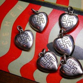 M&W works<BR>puffy heart charm swastika<BR>silver925