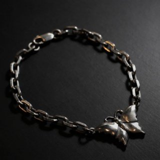 M&W works<BR>butterfly bracelet<BR>silver925<img class='new_mark_img2' src='https://img.shop-pro.jp/img/new/icons1.gif' style='border:none;display:inline;margin:0px;padding:0px;width:auto;' />