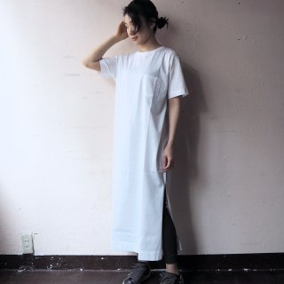 【WINTER SALE 50%OFF】GOODWEAR グッドウェア ポケット付きクルーネック スリットワンピース/WHITE<img class='new_mark_img2' src='https://img.shop-pro.jp/img/new/icons22.gif' style='border:none;display:inline;margin:0px;padding:0px;width:auto;' />