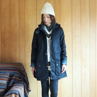 【WINTER SALE 30%OFF】Barbour バブアー × Emma Bridgewater エマブリッジウォーター ワックスドジャケット LOVE WAX JAKET / NAVY<img class='new_mark_img2' src='https://img.shop-pro.jp/img/new/icons22.gif' style='border:none;display:inline;margin:0px;padding:0px;width:auto;' />