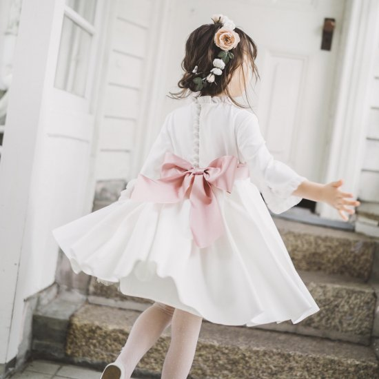 <img class='new_mark_img1' src='https://img.shop-pro.jp/img/new/icons14.gif' style='border:none;display:inline;margin:0px;padding:0px;width:auto;' />Amaia Kids - Eugenie dress (即納分)