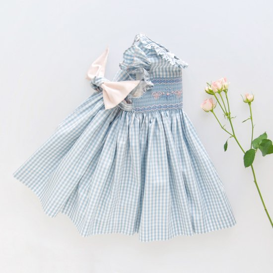 <img class='new_mark_img1' src='https://img.shop-pro.jp/img/new/icons14.gif' style='border:none;display:inline;margin:0px;padding:0px;width:auto;' />Charlotte sy Dimby - Blue vichy smocked dress