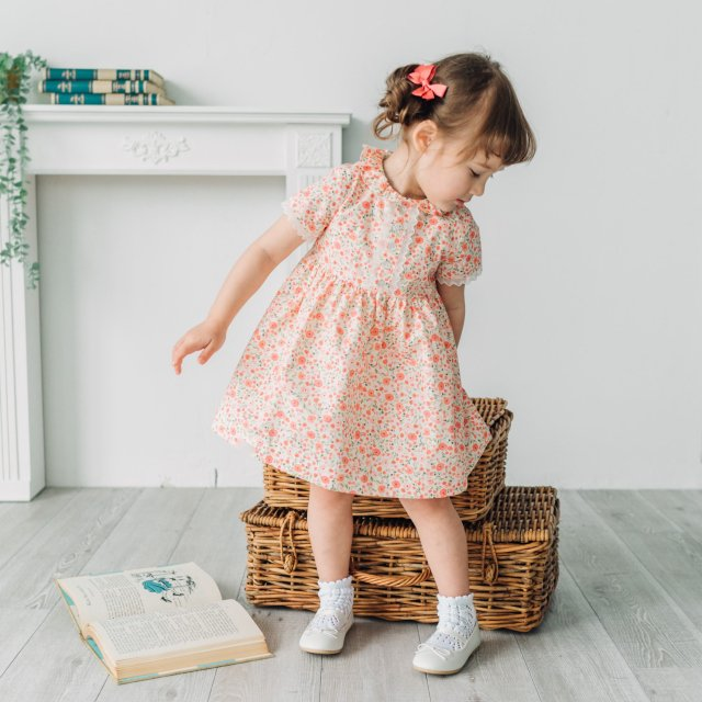<img class='new_mark_img1' src='https://img.shop-pro.jp/img/new/icons14.gif' style='border:none;display:inline;margin:0px;padding:0px;width:auto;' />Amaia Kids - Bristol dress