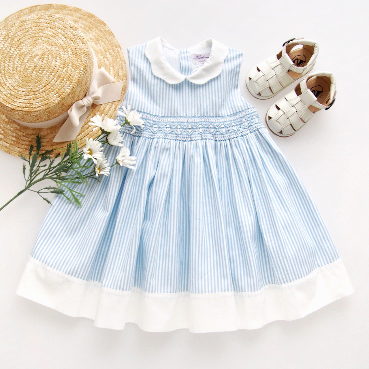 <img class='new_mark_img1' src='https://img.shop-pro.jp/img/new/icons14.gif' style='border:none;display:inline;margin:0px;padding:0px;width:auto;' />Kidiwi - FLORA dress (Blue pinstripes)