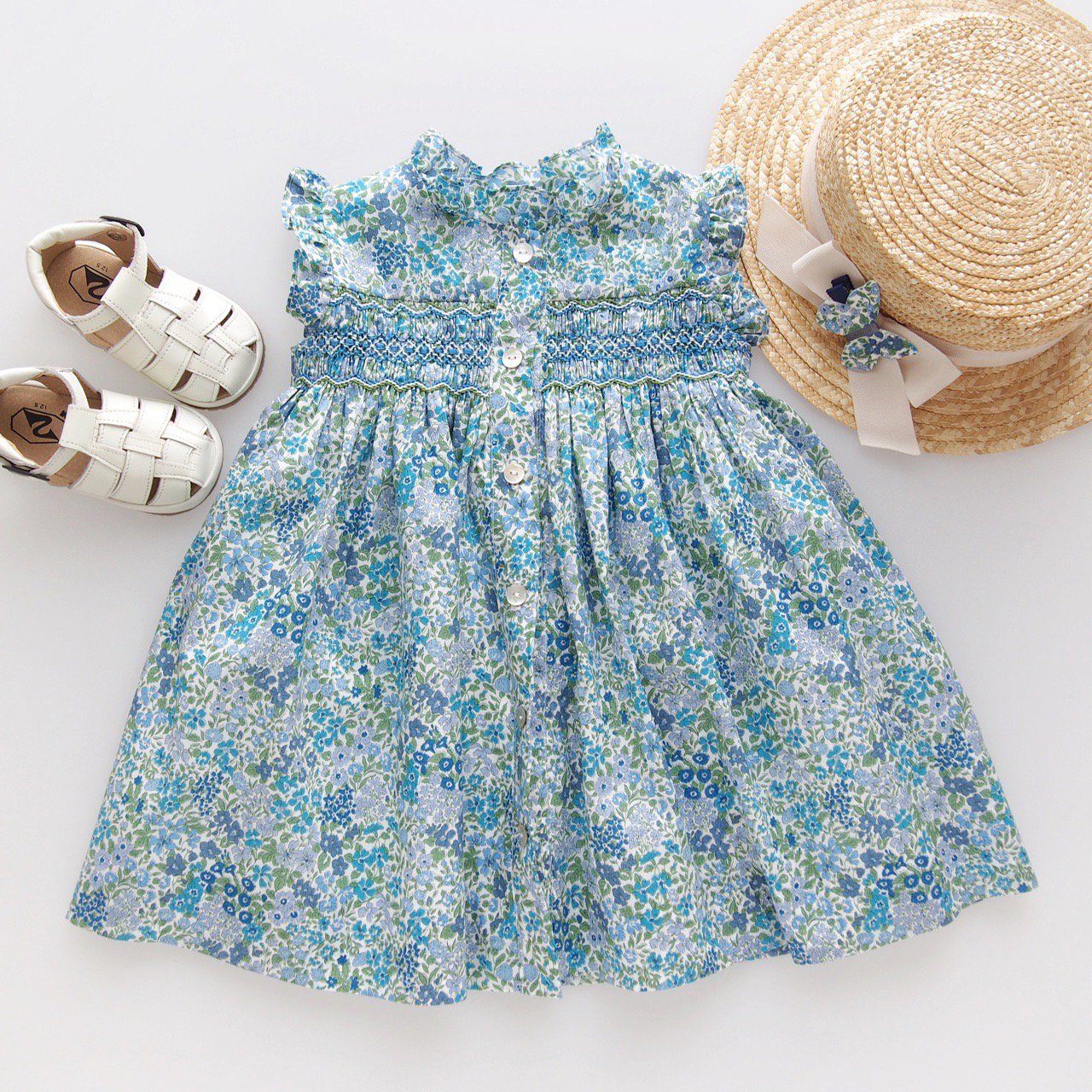 <img class='new_mark_img1' src='https://img.shop-pro.jp/img/new/icons1.gif' style='border:none;display:inline;margin:0px;padding:0px;width:auto;' />Amaia Kids - Hydrangea dress (Liberty blue)