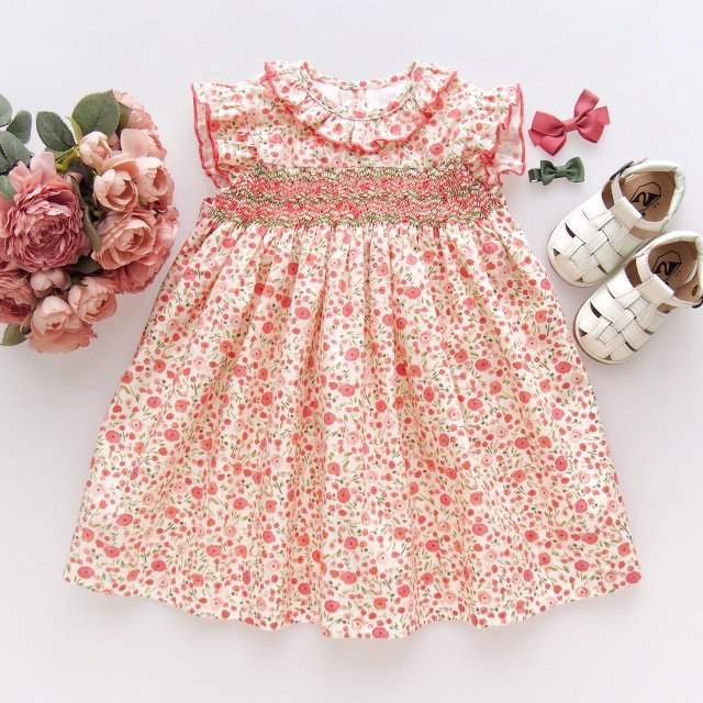 <img class='new_mark_img1' src='https://img.shop-pro.jp/img/new/icons1.gif' style='border:none;display:inline;margin:0px;padding:0px;width:auto;' />Amaia Kids - Carnac dress