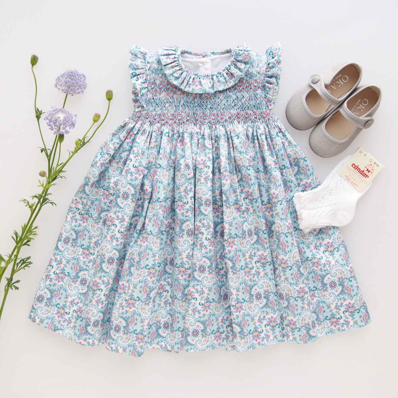 <img class='new_mark_img1' src='https://img.shop-pro.jp/img/new/icons1.gif' style='border:none;display:inline;margin:0px;padding:0px;width:auto;' />Aruca - Paisley smocked dress