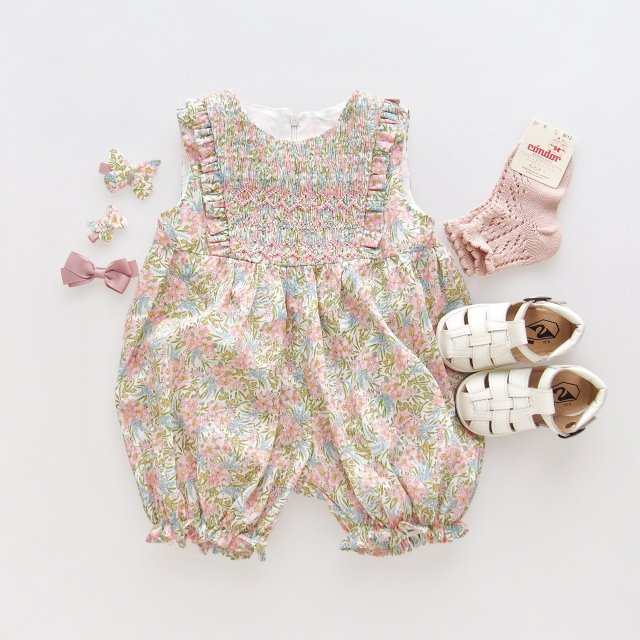 <img class='new_mark_img1' src='https://img.shop-pro.jp/img/new/icons1.gif' style='border:none;display:inline;margin:0px;padding:0px;width:auto;' />Amaia Kids - Rose all in one (Liberty pink)