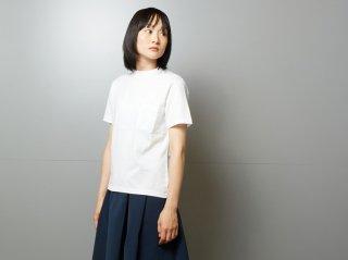 <L&HARMONY WOMEN/エルアンドハーモニー>ハイクルーネックポケットTシャツ(White)
