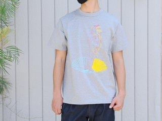 """【アーティスト×世界の名画シリーズ第一弾】<L&HARMONY/エルアンドハーモニー>苦虫ツヨシ×L&HARMONY Tシャツ""""ヴィーナスの誕生""""(Gray)"""