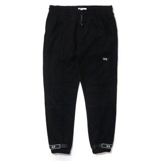 Core-Teck Pleated Joggers Black