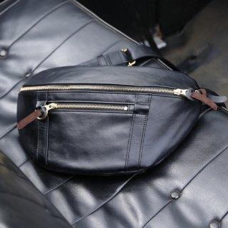 UNIVERSAL SMALL SHOULDER BAG