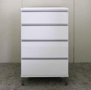 オーダー家具制作事例0320:艶ありホワイト アルミ取っ手 4段チェスト