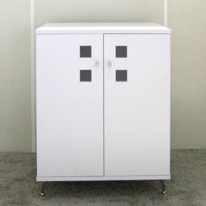 オーダー家具制作事例0361:「ウインドウ」キャビネット/背面化粧仕上げ(幅70x高さ87)