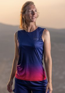 <img class='new_mark_img1' src='https://img.shop-pro.jp/img/new/icons61.gif' style='border:none;display:inline;margin:0px;padding:0px;width:auto;' />SUPER SPEED AERO WIDE TOP TANK  WOMEN OBSIDIAN
