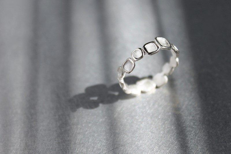 mado(ring)