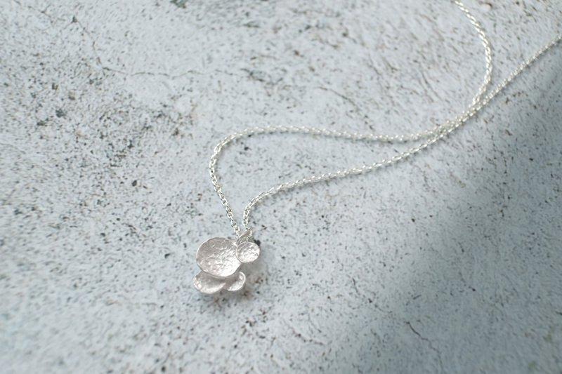 a wa na no(necklace)