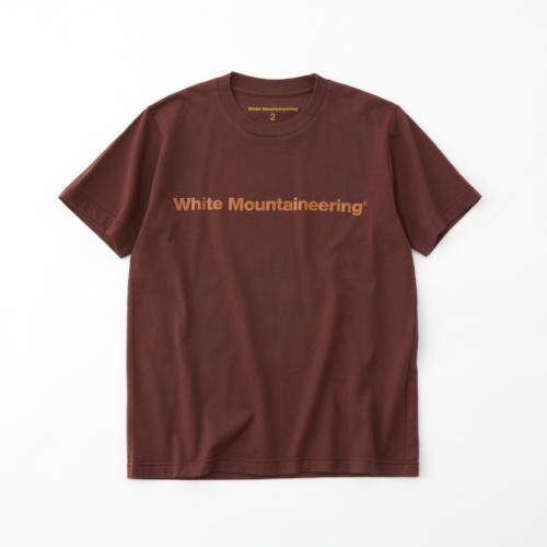 white mountaineering 【ホワイトマウンテンニアリング】 SIDE WM LOGO PRINTED T-SHIRT- BROWN (WM2171535)
