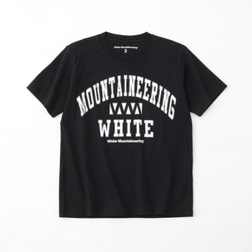 white mountaineering 【ホワイトマウンテンニアリング】 COLLEGE WM LOGO PRINTED T-SHIRT- BLACK(WM2171533)