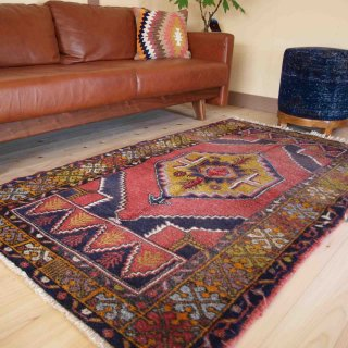 世代を越えて受け継ぐスタイル<br>アナトリアオールド絨毯 177×102cm<br>【送料無料】