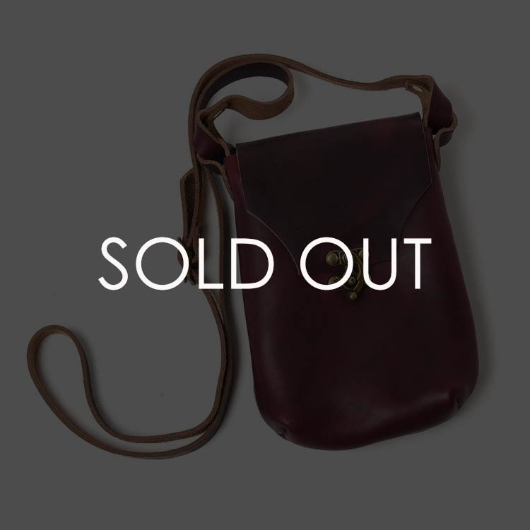 Fernand (フェルナンド)  Latch_pouch サイズM 【ワイン】