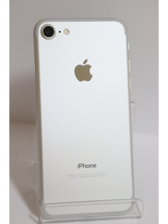 iPhone7 128GB シルバー SIMフリー バッテリー83% 中古美品Aランク