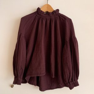 <img class='new_mark_img1' src='https://img.shop-pro.jp/img/new/icons23.gif' style='border:none;display:inline;margin:0px;padding:0px;width:auto;' />LAST ONE!!The New Society Olivia Blouse BURGANDY/30%OFF!!