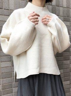 【即納】ふんわり袖ドロップショルダープルオーバー/アイボリー