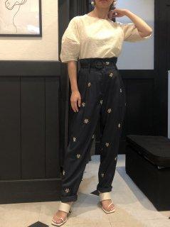 【即納】フラワー刺繍ハイウエストパンツ