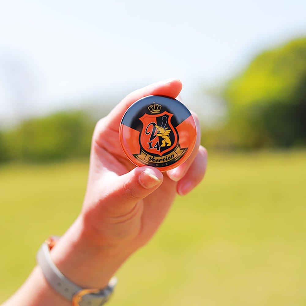 缶バッチ オレンジ×黒