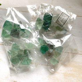 中国産八面体蛍石袋入