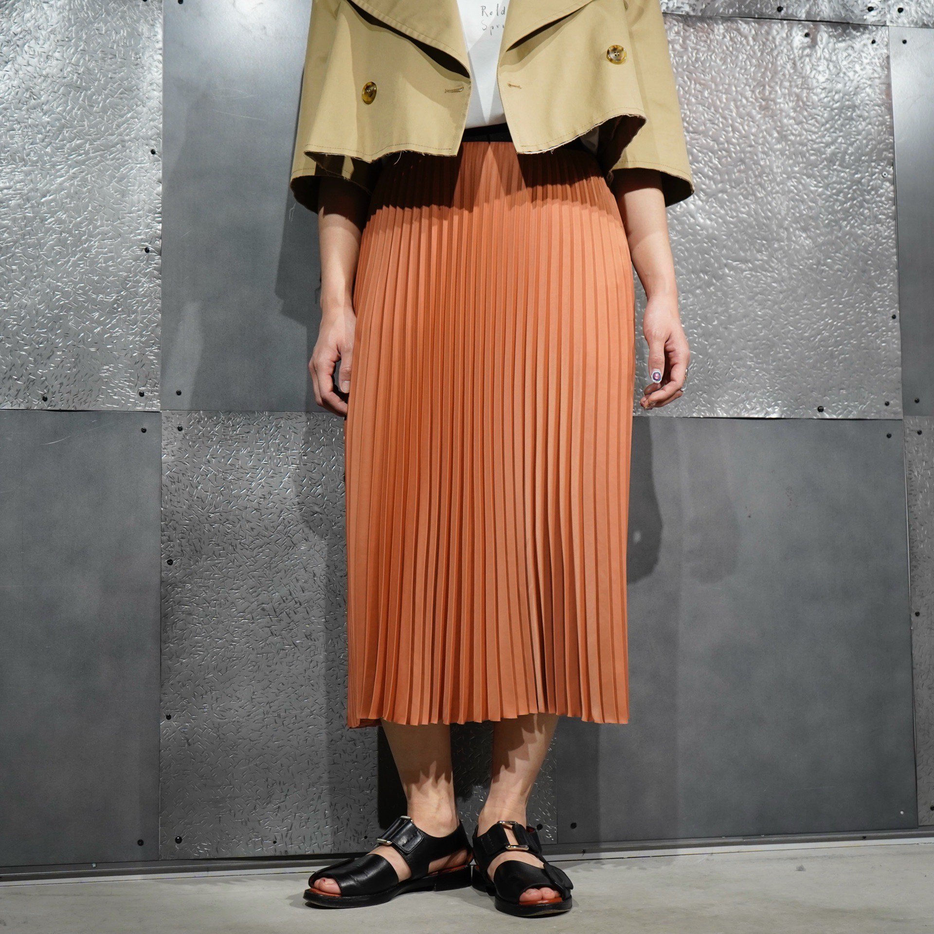 【08sircus】<br>サテンプリーテッドスカート