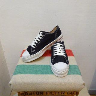 Dead Stock 70's Black Canvas Sneaker Made in U.S.A size 8