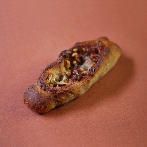 ライ麦 ゴルゴンゾ−ラとくるみ ハチミツがけ