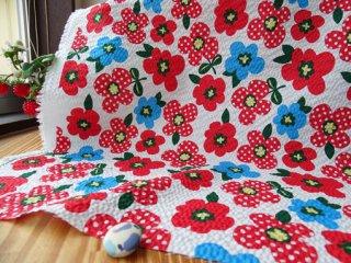 可愛いドットフラワーの柔らかリップル・オフ白×レッド