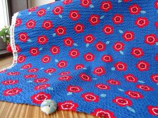 真っ赤な小花の柔らかリップル・オーシャンブルー